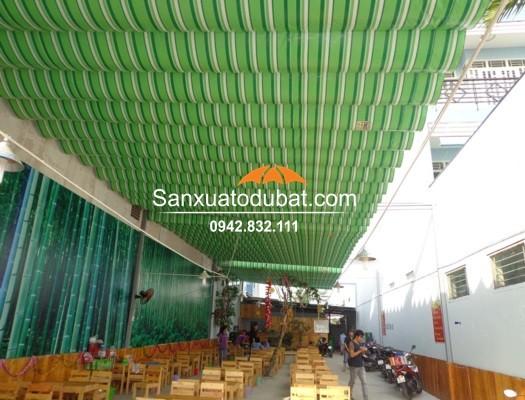 Mái hiên xếp nhà hàng